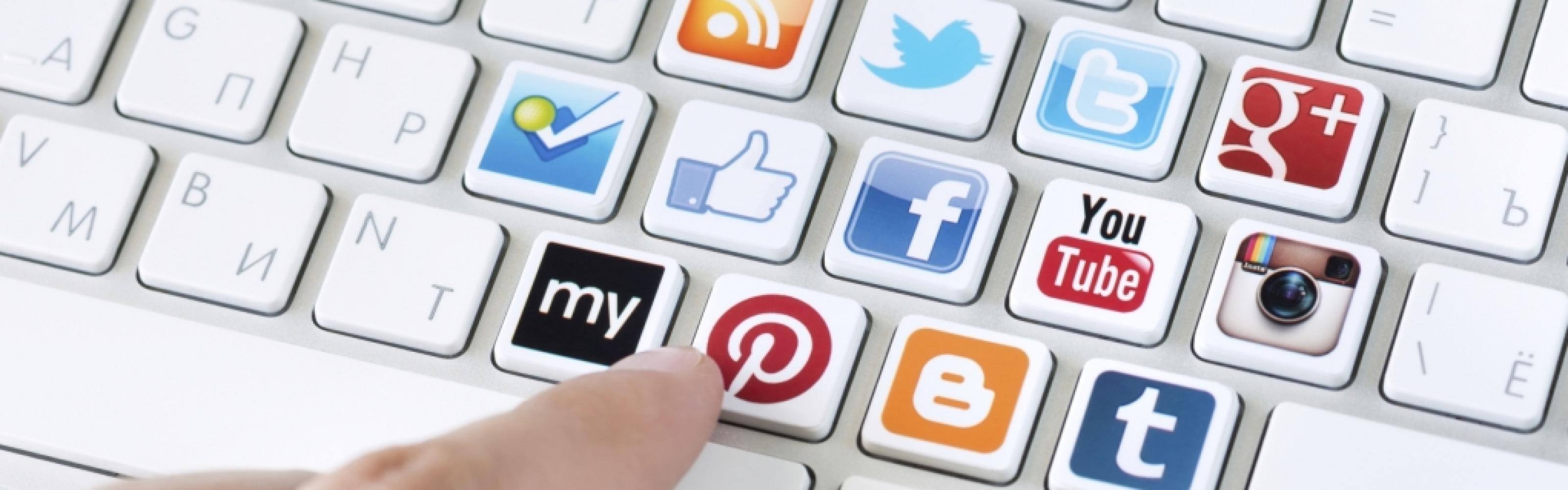 1 beheer omgeving voor alles! Met ons Easy CMS is het heel makkelijk om uw Facebook en Twitter bij te werken